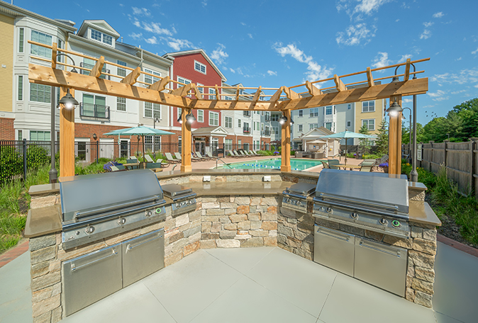Village at Taylor Pond Outdoor Pool and Grills